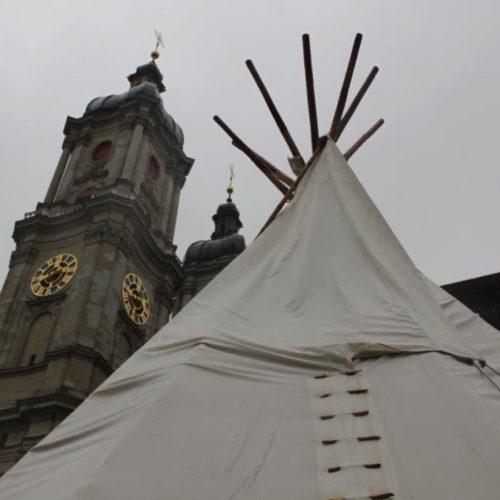Tipi und Klostertürme